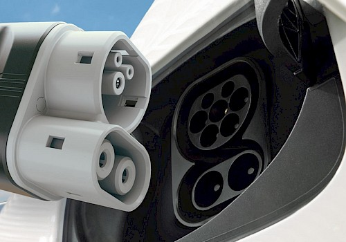 EV Basics - types of EV charging stations and connections