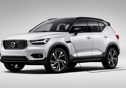 Volvo offers free electricity to plug-in hybrid customers